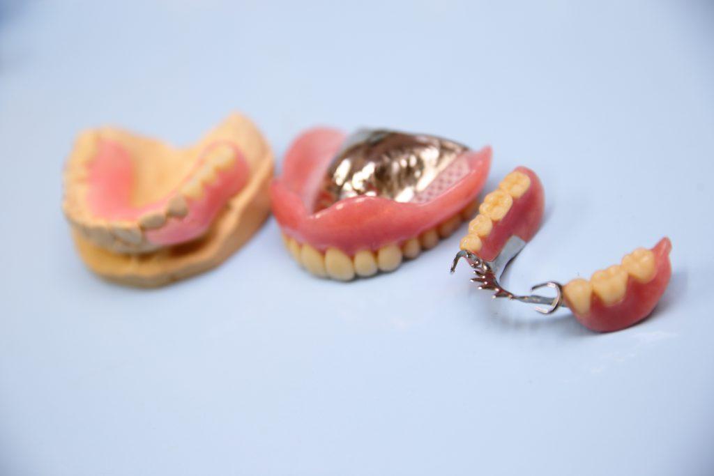 山川歯科の入れ歯について